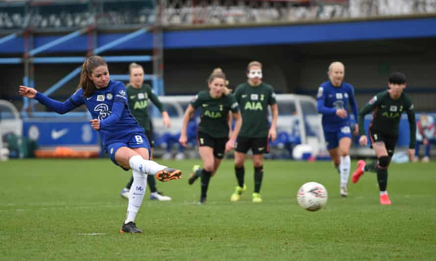 Melanie Leupolz completes the scoring from the penalty spot in Chelsea's emphatic win against Tottenham.