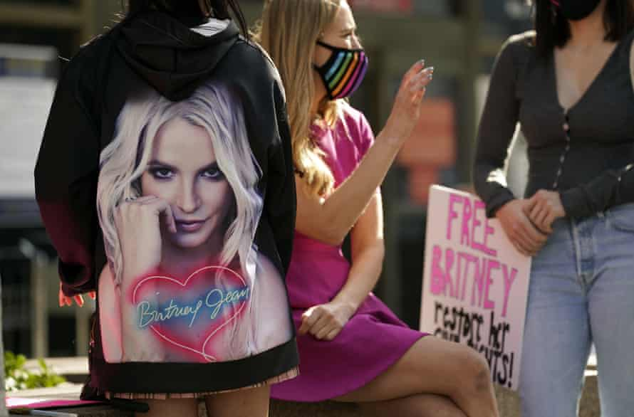 Britney Spears supporters gather outside a court hearing.