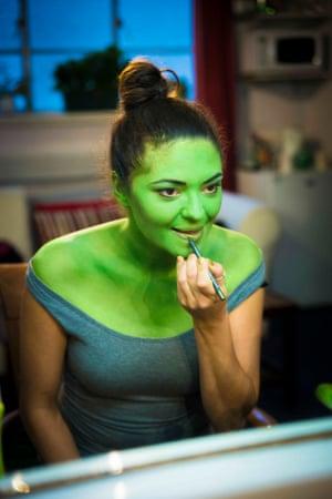 Jennifer DiNoia prepares to play Elphaba in 2014.