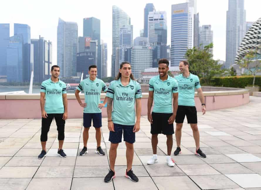 Henrikh Mkhitaryan, Mesut Özil, Héctor Bellerín, Pierre-Emerick Aubameyang and Petr Cech unveil the club's third kit in Singapore.