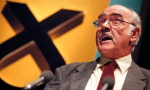 Connery at an SNP rally in 1999.