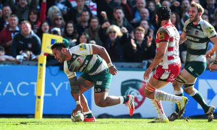 Manu Tuilagi touches down for his second try against Gloucester.