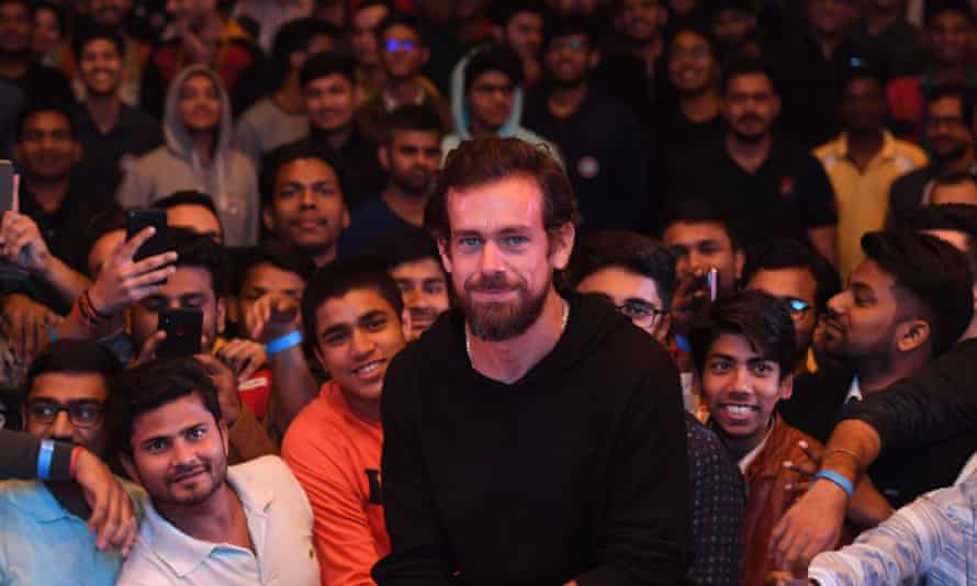 The Twitter chief, Jack Dorsey, poses with students at the Indian Institute of Technology in New Delhi