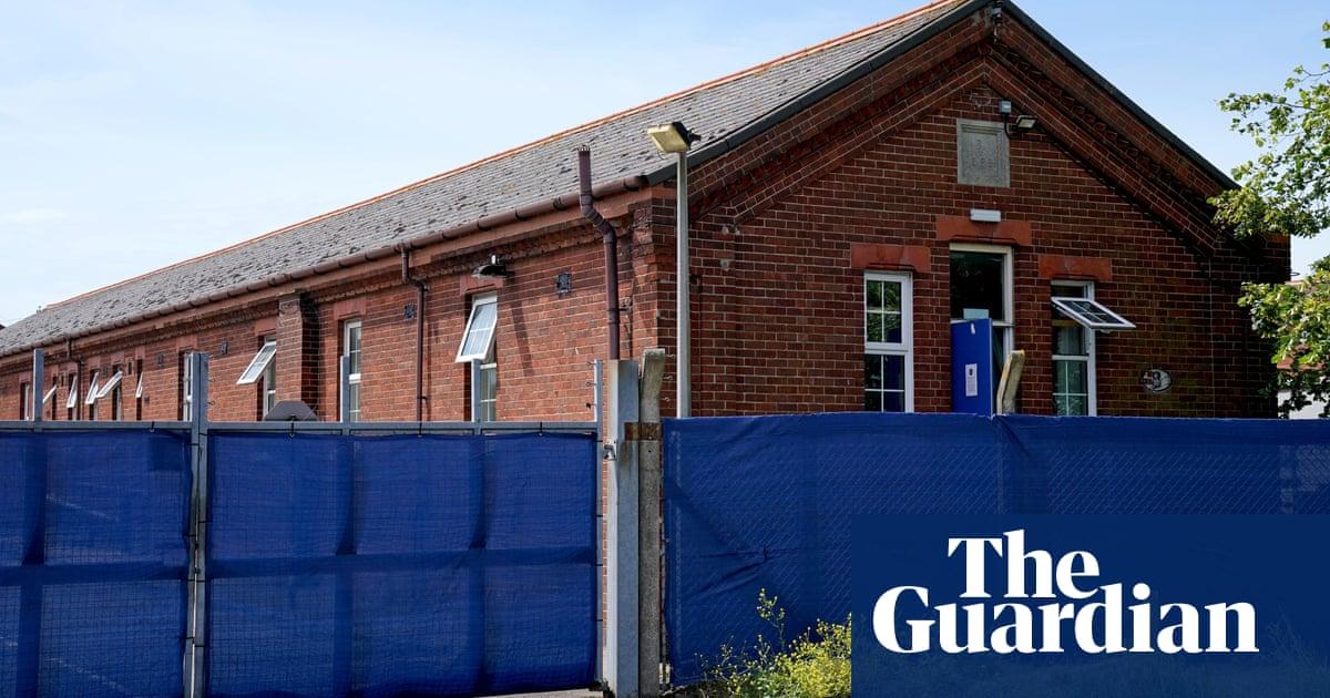 Journalist gets police apology for arrest over Kent barracks photos