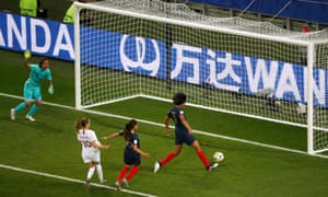 Norway are back on level terms courtesy of France's Wendie Renard's own goal.