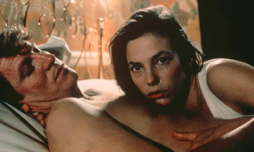 André Dussollier and Jane Birkin in Love on the Ground.