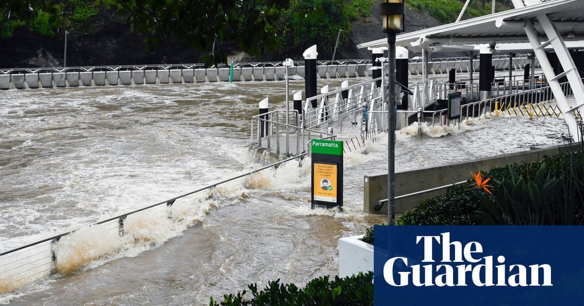 NSW flooding: people flee their homes overnight as extreme rain wreaks havoc