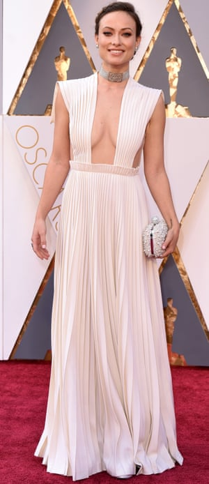 Olivia Wilde. We'll get to the contoured cleavage and the missing bit of dress in a moment, but first let's talk about how the bottom half of the dress is mimicking Snow White. There are the beginnings of a lamentable Disney trend for Oscars 2016. Shall we talk about the top half of this dress now? Let's not.