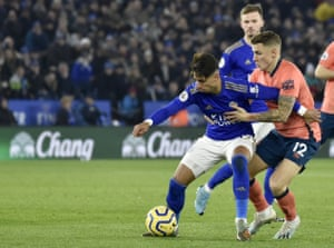 Perez duels for the ball with Digne.
