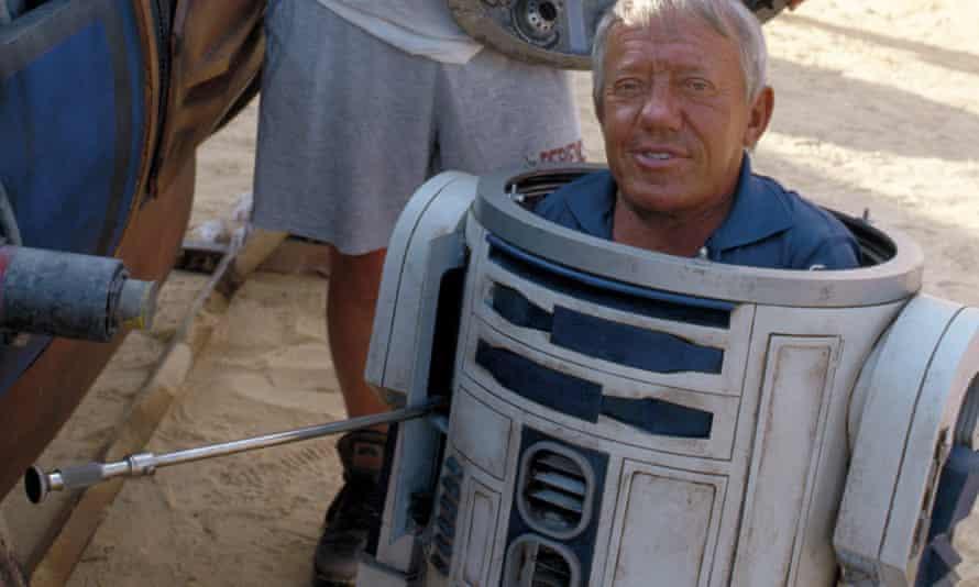 Kenny Baker inside R2-D2