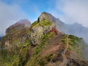 Madeira, aproximando-se do pico do Pico Do Arieiro