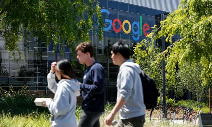 Hundreds of Google employees on 14 August called on the firm to avoid working for US immigration officials until they stop 'engaging in human rights abuses'.
