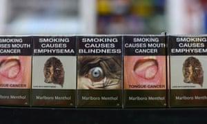Standardised cigarette packs