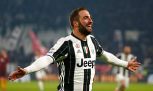 Gonzalo Higuaín celebrates scoring what proved the only goal of Juventus's 1-0 home win against Roma
