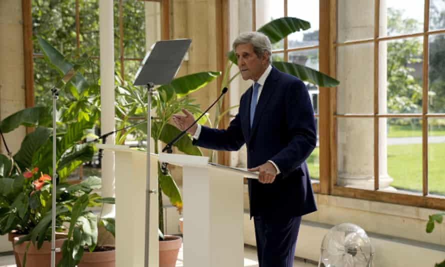 The US special presidential envoy for climate, John Kerry, gives a speech at Kew, London, on 20 July.