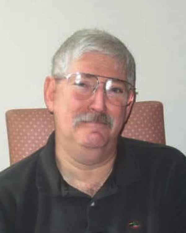 Robert Levinson has died in Iranian custody, his family has announced.