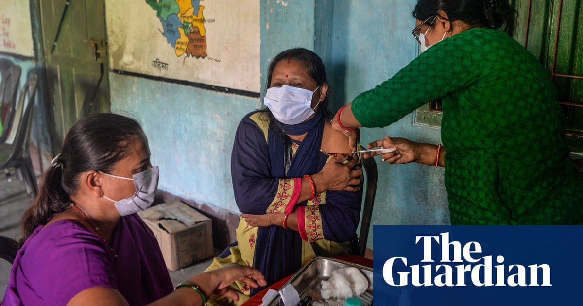 India: over 100 million people fail to turn up for second Covid vaccine