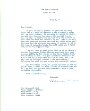 Letter from Pat Nixon, Richard Nixon's wife, to library in Troy, Michigan