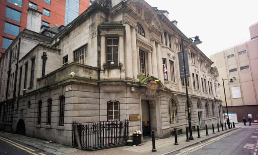 The former Manchester stock exchange is being turned into an upmarket hotel.