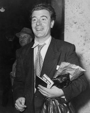 Douglas Campbell arrives in Berlin to star in Shakespeare's 'Othello', 21st September 1951.