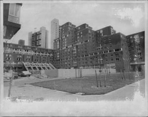 Construction work at Roosevelt Island in 1975.