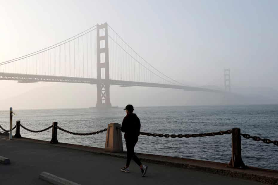 The sound coming from the bridge, which is only heard on windy days, has been compared to a