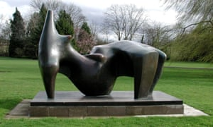 Reclining Figure 1969-70, a huge bronze by Henry Moore.