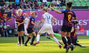 Ada Hegerberg of Olympique Lyonnais scores a goal to make it 4-0.
