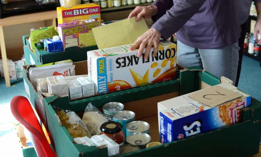Preparing food parcels