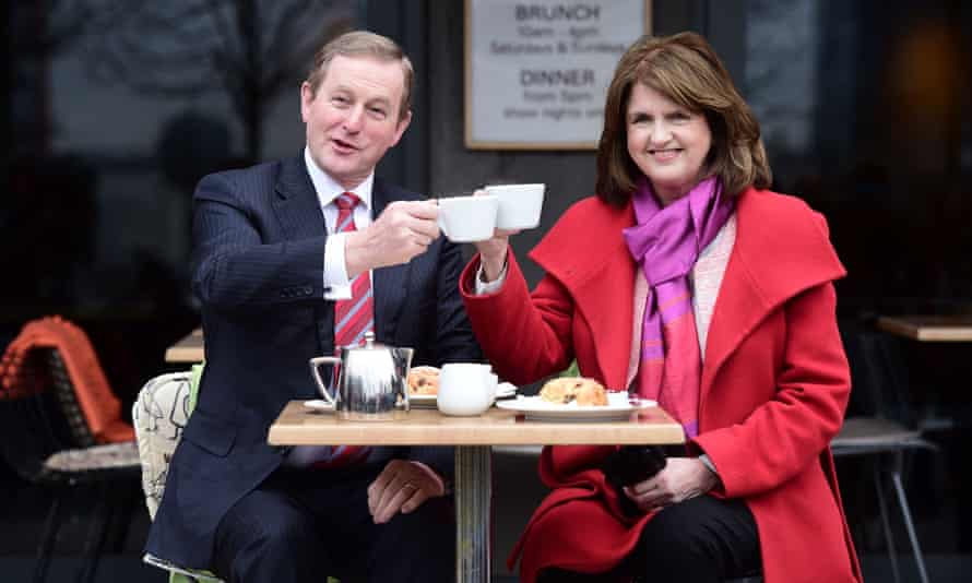 Irish prime minister and Fine Gael leader Enda Kenny and Labour party leader Joan Burton, warn against voting for independent candidates.