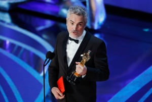 Alfonso Cuarón accepts the foreign language film award for Roma