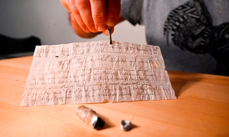 'Super rare' 100-year-old carrier pigeon message found in France