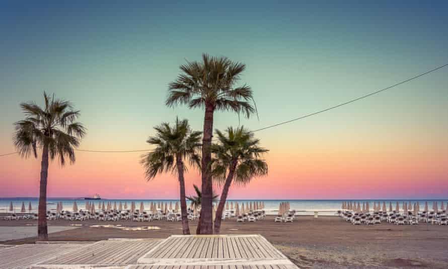 Η παραλία, Λάρνακα, Κύπρος
