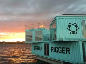 Urban Rigger floating housing