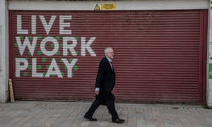 Corbyn arrives in Hull to launch Labour's cultural manifesto.