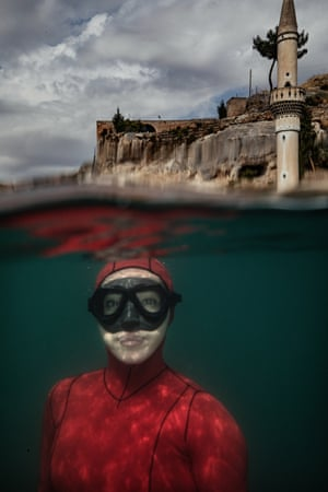 Şanlıurfa, Turkey. Şahika Ercümen, the Turkish world record-holding free-diver of the Underwater Federation, dives within the UN-run solid waste management project