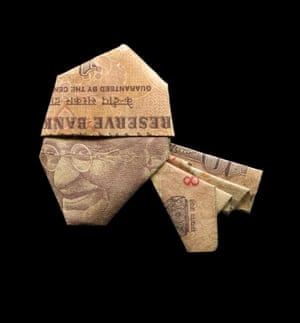 Ghandi illustrated using banknote origami by Japanese illustrator Yosuke Hasegawa.