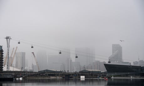Fog delays pre-Christmas flights from London airports