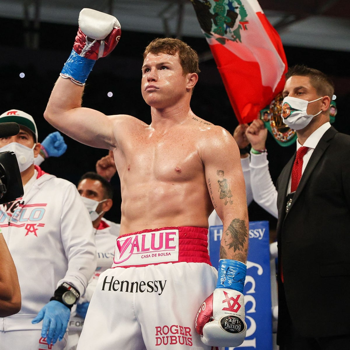 Canelo Álvarez defends super middleweight titles after Avni Yıldırım  retires on stool – as it happened | Sport | The Guardian