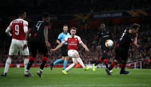 Ramsey shoots.
