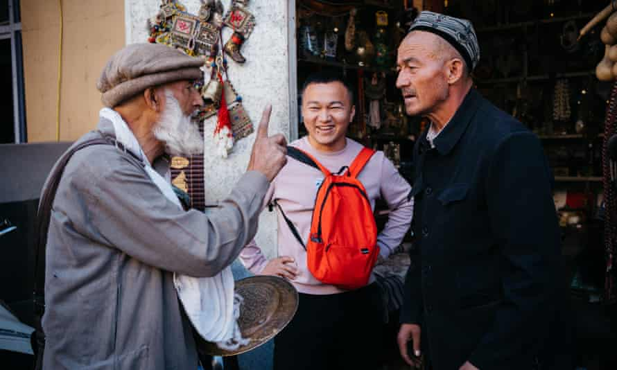 Antiques dealer, left, who I sat with in the front seat of the mini-bus that took as from Sost in Pakistan to Tashkurgan in China.