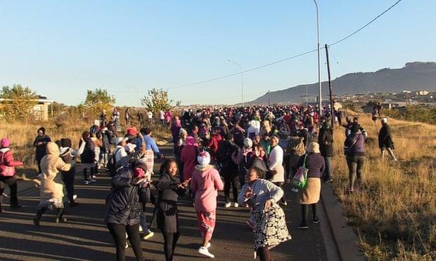 Sudáfrica. El capital tiene el color del dinero. - Página 3 637