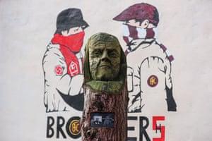 Sean Syche's wooden head.
