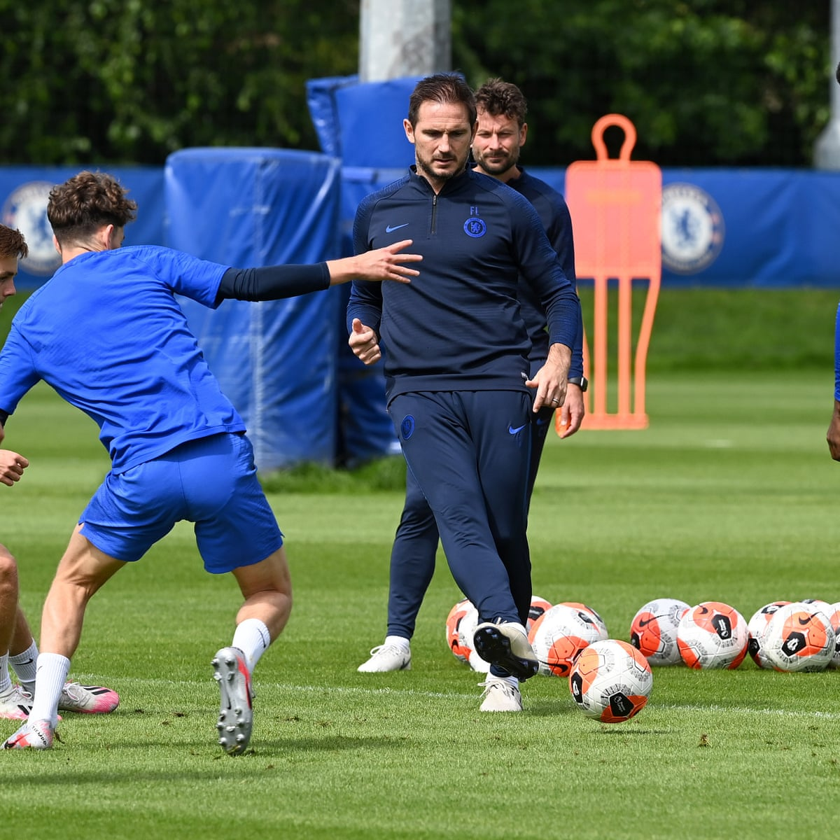 Frank Lampard Calls On Quiet Chelsea Players To Make Some Noise Football The Guardian