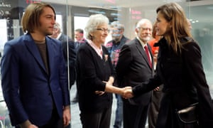 Spain's Queen Letizia (r) greets Soledad Gallego-Díaz (centre) - the new editor of El País - in January.
