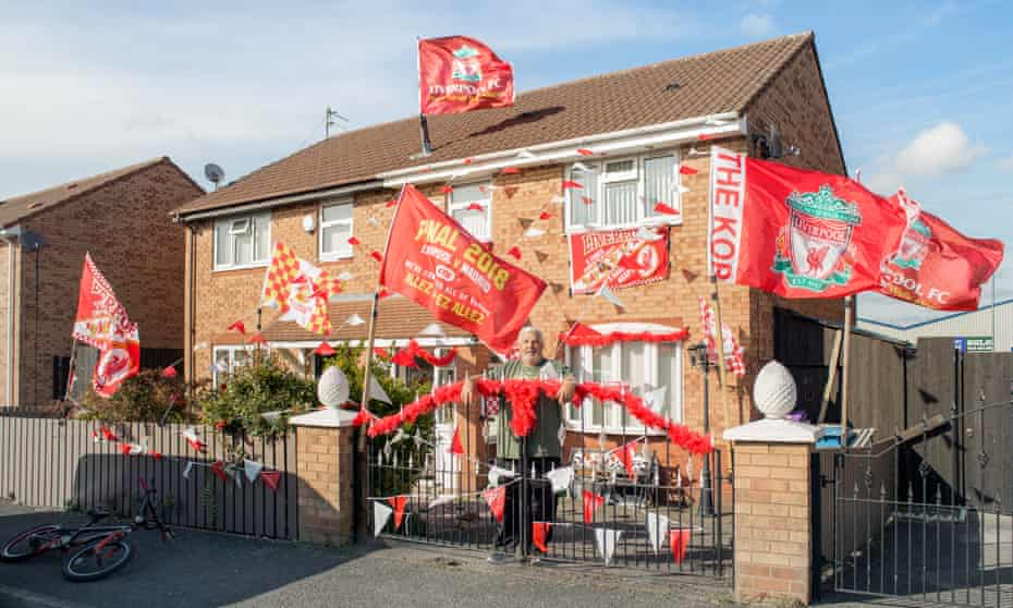 House decorated in Liverpool colours