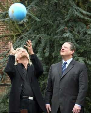 Richard Branson and Al Gore at the 2007 launch of the $25mVirgin Earth prize for carbon capture solutions, as yet unclaimed.