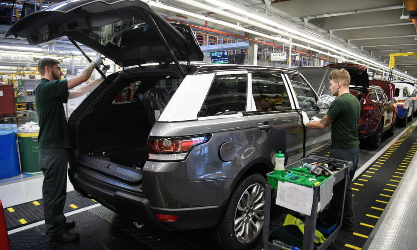 Jaguar Land Rover offered £500m loan to develop electric cars