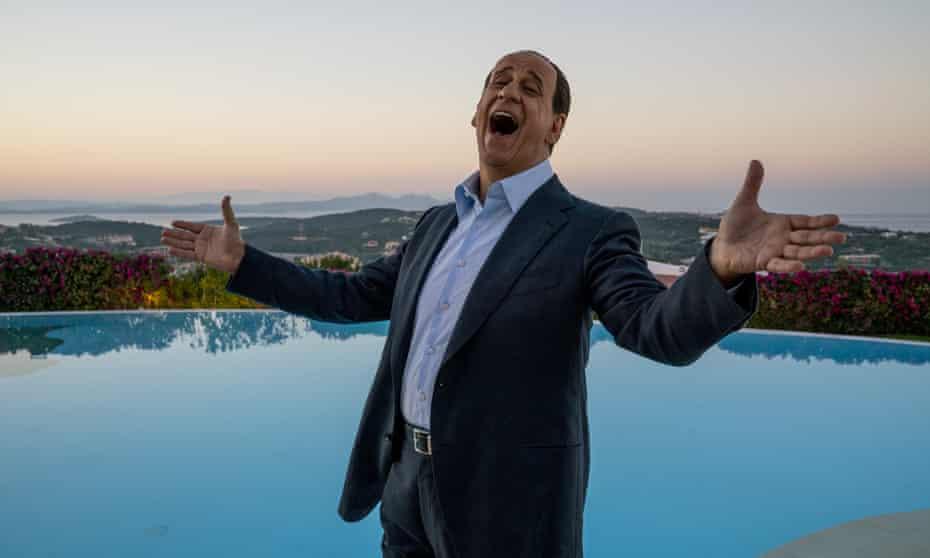 Toni Servillo as Berlusconi in Loro.