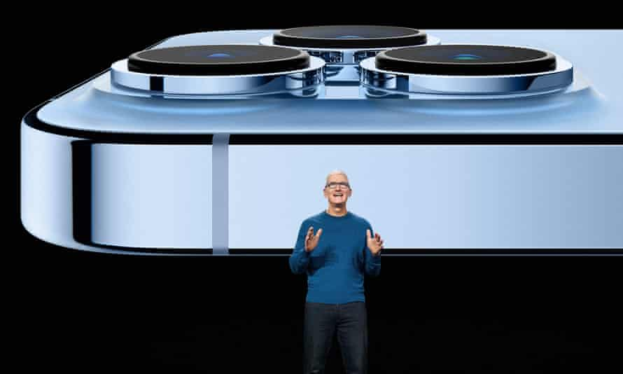 Apple boss Tim Cook extolling the virtues of the iPhone 13 last week.